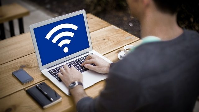 【速度比較】Wi-Fi vs 有線接続 (光BBユニット)
